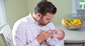 Hướng dẫn cho con bú đúng tư thế giúp bé thoải mái và bú được nhiều sữa