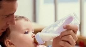 Nuôi con bằng sữa mẹ kết hợp sữa ngoài thế nào để hiệu quả nhất